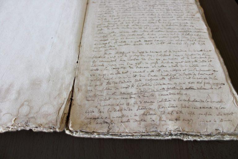 Ville De Remiremont Archives Manuscrit à Restaurer